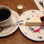珈琲店トップ - レアチーズケーキのセット 870円