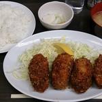 まんぷく - とんかつ まんぷく @上野御徒町 カキフライ定食 1,100円(税込)