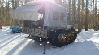 夏沢鉱泉 - 分岐から小屋までは雪上車で送迎
