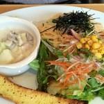 アズベリーパーク - 料理写真:ランチプレート(今日のパスタは、たらこじゃこ)