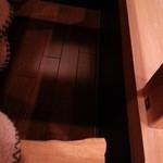 蜂巣 - 奥のテーブルは堀ごたつになってて 足下あったか~い