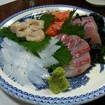 食酒宴処 さわき - 料理写真:漁師の名残を残す刺身