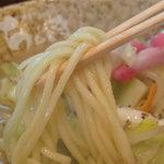 博多ちゃんぽんちょき - 実は、ちゃんぽん麺もカタで頼めるのです。この後の替玉をラーメンにすることも出来るとか。