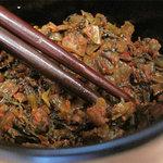 博多ちゃんぽんちょき - 卓上の辛子高菜。