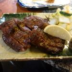 34140970 - 仙台牛タンの厚切り炭火焼き(¥1,350)