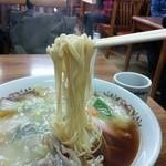 正華楼 - 細ストレートの懐かしい中華麺です。