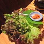 韓国郷土料理 ととり - サンチュ