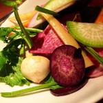 リエーブル - 有機野菜のサラダ☆色とりどりの根菜たちが目にも楽しい!