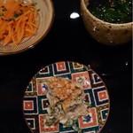 34149630 - 前菜 人参のレモン蜂蜜和え、ほうれん草と焼き海苔のおひたし、セリ、椎茸、蓮根の白和え