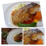 シュエット - ◆鯛のポワレ、サラダ添え・・鯛はカリッと焼かれています。下には「カボナータ」風のお野菜。 こちらは少し甘めのソースでした。 別で「リーフサラダ」が付きます。