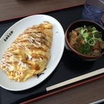 長田本庄軒 - 料理写真:ぼっかけオムソバ  自転車で立ち寄りました!  麺が茹でたてで美味しかったです (*´ڡ`●)