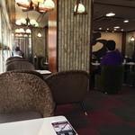 喫茶室ルノアール - 喫煙席の窓側
