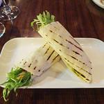 TUSK - 水菜とチキンのトルティーヤ巻き