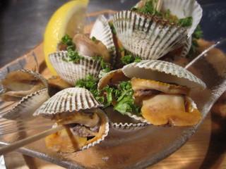eL MamBo - ベルベレーチョ! 赤貝の一種。 塩ゆでしてレモン絞って召し上がれ↑↑