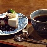 かふぇ・ど・くら - レアチーズケーキセット(珈琲コロンビア)