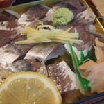 shuzenjiekibemmaizushi - 武士の鯵寿司 1,100円。軽めに締めた地の鯵をふんだんに使っています(*´∀`*)