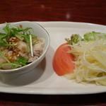中華料理 ハルピン - 前菜(蒸鶏・ジャガ芋サラダ)2015年1月