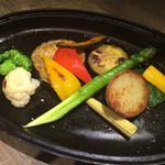 ワインバル ピノ - ストウブ焼き野菜