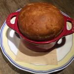 ワインバル ピノ - 自家製天然酵母パン