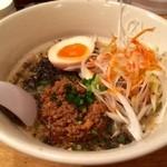 野方ホープ - 期間限定黒ゴマ担々麺¥920!