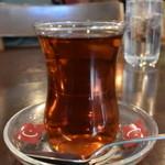 34169130 - トルコ紅茶は¥250だった。