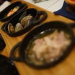牡蠣と地中海料理 ALEGRIA - 3種のアヒージョ(逆