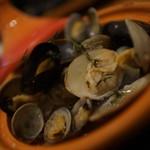 牡蠣と地中海料理 ALEGRIA - 3種魚介のタジン鍋