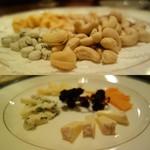 BAR YUMOTO - ナッツ盛りとチーズ盛り
