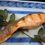 ちから餅本舗 - 焼き鮭