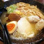 鶏翔 - 濃厚鶏白湯三種盛り(塩)