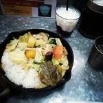 野菜を食べるカレーcamp - グリーーンカレー