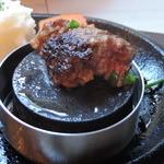 TOKIO - レアなので、焼石で焼いて頂きます