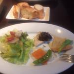 34202544 - パスタランチの前菜とパン