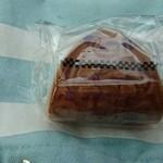 ちから餅本舗 - イチゴクリームワッフル