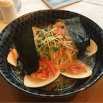 34207355 - あご出汁のラーメン3000円。海鮮たっぷりで見た目は豪華。