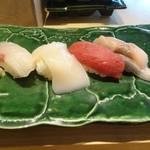 鮨棗 - カンパチ ホタテ マグロ サバ