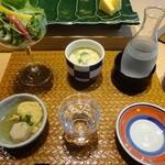 34208617 - サラダ 茶碗蒸し 日本酒 お通し