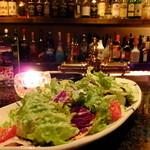 Fooding Bar Ruelle堂山 - 季節野菜のシーザーサラダ