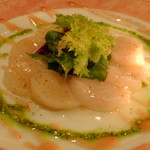 Fooding Bar Ruelle堂山 - 貝柱のカルパッチョ フレンチ梅肉ソースで
