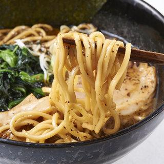 ◉麺が決め手◉厳選された絶妙なこだわり麺をお楽しみください!