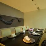 日本料理 「風花」 - 【個室】ガラスで仕切られたテーブル個室