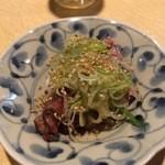 炭火焼鳥 串善 - 鳥レバーのゴマネギ 411円