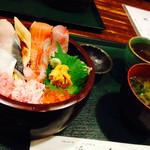 34218219 - 海鮮丼。。。⁇