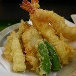 和風レストラン こうらく - 天ぷらランチ1,050円の天麩羅 全部でやっぱり10個(*^-^)
