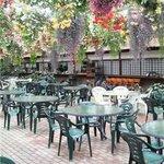花の下のレストラン - テラス