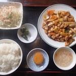 軒源 - 料理写真:鶏の四川風醤油炒め(週替わり定食)680円