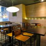 Bar WADURO - テーブル席