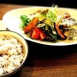宮城の味 じもとCafe Emimasu - サラダプレート