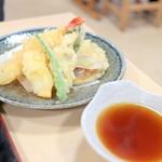 34229588 - おまかせ うずしお御膳の天ぷら盛り合わせ '15 1月上旬