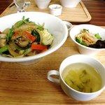 元町カフェ - HIDUKIチャーシューの元町丼